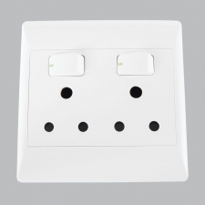 16 AMP DOUBLE PLUG 4 X 4 (5 per box)